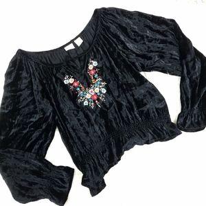Vintage 90's Moda Black Velvet Floral Peasant Top